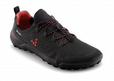 Trail freak WP jsou flexibilní a lehké trailové boty z vysoce voděodolných materiálů a termovložkou pro chladné dny.  Vivobarefoot TRAIL FREAK 2 WP M 3M Mesh Black/Red
