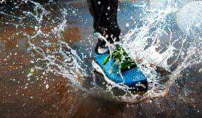 Běh v dešti - příjemné zpestření nebo risk?